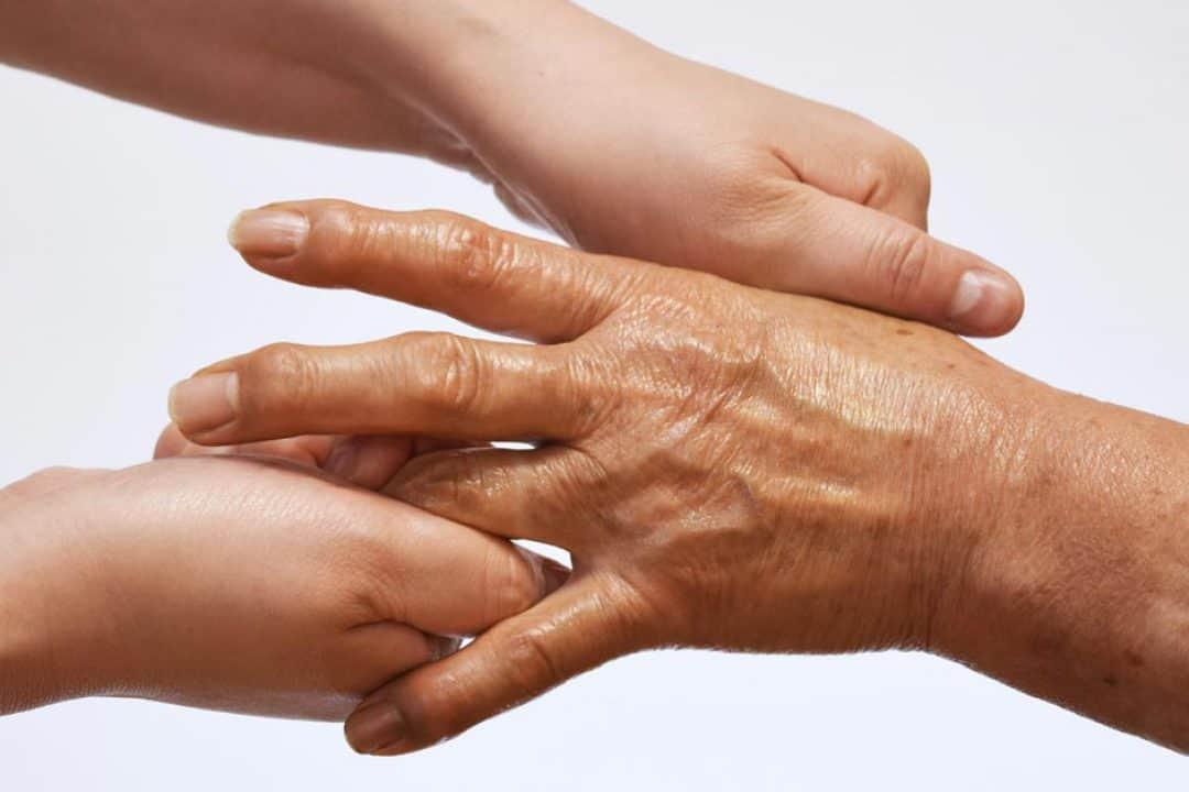 Hemorroides, artritis y estrabismo concomitante | Tu médico online responde