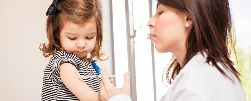 los riesgos de no vacunar a tus hijos