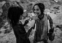 Majid Saeedi - Niñas Afganistán