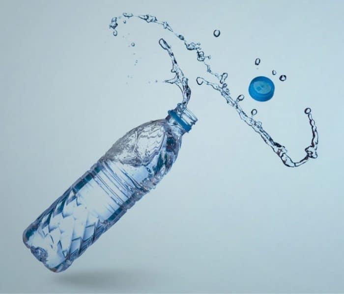 ¿Cuánta agua hay que beber al día? | El mito de los 8 vasos diarios